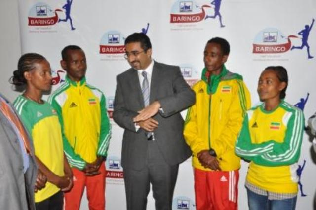Shamaz chats with Ethiopian athletes-compressed