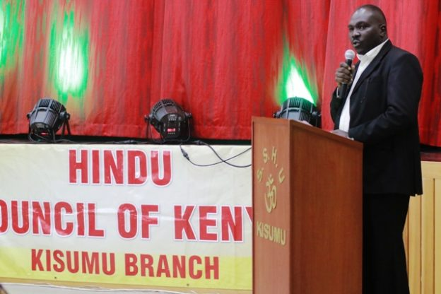 ABC Bank Kisumu Branch Manager Douglas Okiring' gives a speech during the event.